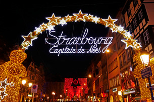Decoration at Christmas time, Strasbourg, Alsace, France, Europeの写真素材 [FYI03783522]