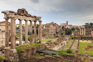Roman Forum ruins, elevated view from Campidoglio, Historic Centre, Rome, UNESCO World Heritage Siteの写真素材 [FYI03783649]