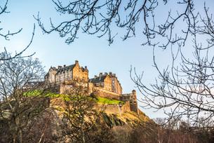 Edinburgh Castle at sunset, UNESCO World Heritage Site, Edinburgh, Scotland, United Kingdom, Europeの写真素材 [FYI03783735]