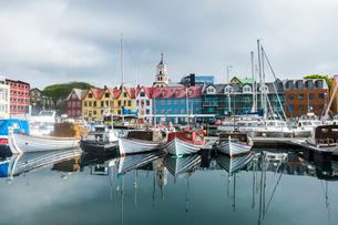 Harbour of Torshavn, capital of Faroe Islands, Streymoy, Faroe Islands, Denmark, Europeの写真素材 [FYI03783809]