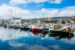 Harbour of Torshavn, capital of Faroe Islands, Streymoy, Faroe Islands, Denmark, Europeの写真素材 [FYI03783810]