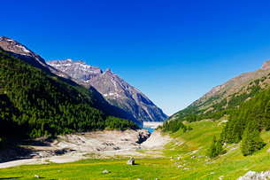 Lake Place Moulin glacial reservoir, Aosta Valley, Italian Alps, Italy, Europeの写真素材 [FYI03784076]