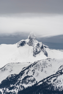 A view of Black Tusk from the peak of Whistler Mountain, British Columbia, Canada, North Americaの写真素材 [FYI03784200]