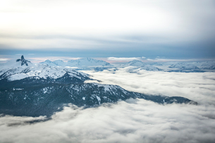 Wide angle view of Black Tusk from the Peak of Whistler Mountain, British Columbia, Canada, North Amの写真素材 [FYI03784201]