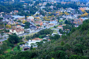 View of the town of Campos do Jordao, a popular weekend resort in the mountains near Sao Paulo, Brazの写真素材 [FYI03784325]