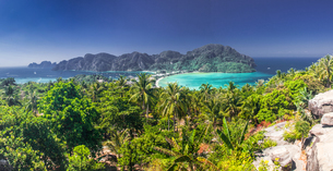 Panorama of Ko Phi Phi Don, beautiful tropical island in Thailand, Southeast Asia, Asiaの写真素材 [FYI03784399]