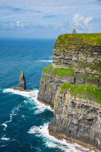 Cliffs of Moher, The Burren, County Clare, Munster, Republic of Ireland, Europeの写真素材 [FYI03784410]
