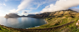 Chapman's Peak Drive and Hout Bay, Cape Peninsula, Western Cape, South Africa, Africaの写真素材 [FYI03784557]
