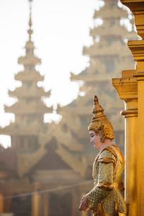 Shwedagon Pagoda, Yangon (Rangoon), Myanmar (Burma), Asiaの写真素材 [FYI03784622]