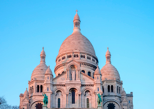 Basilica of Sacre Coeur at sunset, Montmartre, Paris, France, Europeの写真素材 [FYI03784680]