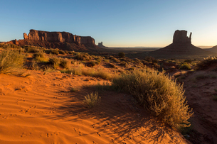 Red sand at Monument Valley, Navajo Tribal Park, Arizona, United States of America, North Americaの写真素材 [FYI03784834]