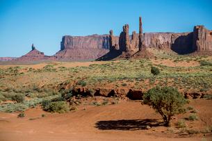 Rock formations, Monument Valley, Navajo Tribal Park, Arizona, United States of America, North Ameriの写真素材 [FYI03784870]