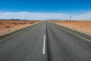 Road Number 7 leading to Namibia, South Africa, Africaの写真素材 [FYI03784944]