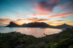 Hout Bay after sunset, Cape of Good Hope, South Africa, Africaの写真素材 [FYI03784955]