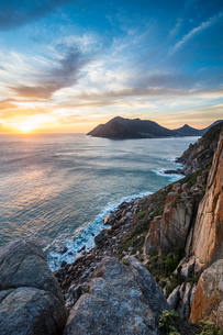 Sunset over Hout Bay, Cape of Good Hope, South Africa, Africaの写真素材 [FYI03784967]