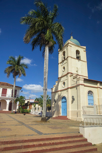 Church on Central Square, Vinales Town, Vinales, Pinar del Rio Province, Cuba, West Indies, Caribbeaの写真素材 [FYI03785051]