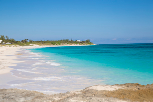 Hope Town Beach, Hope Town, Elbow Cay, Abaco Islands, Bahamas, West Indies, Central Americaの写真素材 [FYI03785067]
