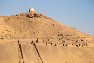 Tombs of the Nobles on the West Bank, Aswan, Upper Egypt, Egypt, North Africa, Africaの写真素材 [FYI03785086]