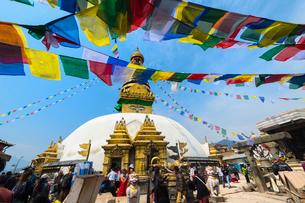 Swayambunath or Monkey Temple, Central Stupa and Buddha eyes, UNESCO World Heritage Site, Kathmandu,の写真素材 [FYI03785300]