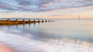 Sunrise at Portobello Beach, Edinburgh, East Lothian, Scotland, United Kingdom, Europeの写真素材 [FYI03785471]