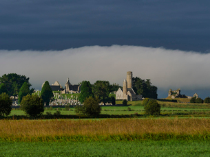 Clonmacnoise, County Offaly, Leinster, Republic of Ireland, Europeの写真素材 [FYI03785559]