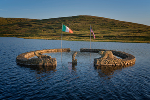 Beaver Island Memorial, Arranmore Island, County Donegal, Ulster, Republic of Ireland, Europeの写真素材 [FYI03785567]