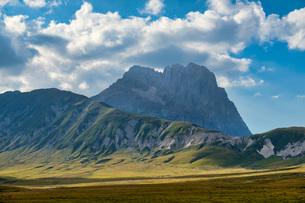 Corno Grande peak, Gran Sasso e Monti della Laga National Park, Abruzzo, Italy, Europeの写真素材 [FYI03785713]