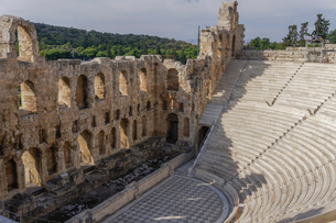 View of Odeon of Herodes Atticus, Athens, Greece, Europeの写真素材 [FYI03785793]