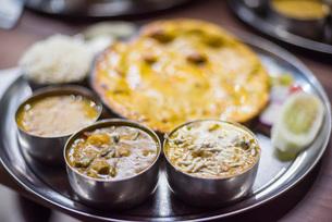 Thali, a traditional food of India, Varanasi, Uttar Pradesh, India, Asiaの写真素材 [FYI03786125]