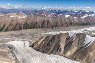 Aerial view over the Central Tian Shan Mountain range, Border of Kyrgyzstan and China, Kyrgyzstan, Cの写真素材 [FYI03786151]