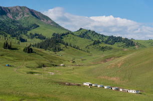 Helicopter base in Karkyra Valley, Central Tian Shan Mountain range, Border of Kyrgyzstan and China,の写真素材 [FYI03786153]