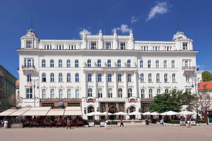 Voeroesmarty ter Square, Cafe Gerbeaud, Old Town of Pest, Budapest, Hungary, Europeの写真素材 [FYI03786264]