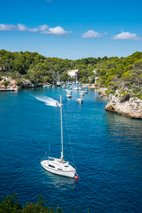 Beautiful bay of Cala Llombards, Santanyi, Mallorca, Balearic Islands, Spain, Mediterranean, Europeの写真素材 [FYI03786401]