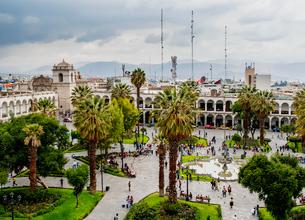 Plaza de Armas, elevated view, Arequipa, Peru, South Americaの写真素材 [FYI03786582]