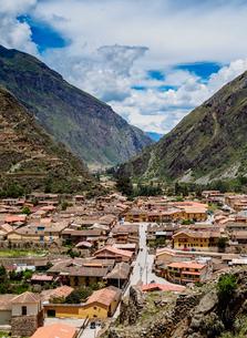 Ollantaytambo, elevated view, Sacred Valley, Cusco Region, Peru, South Americaの写真素材 [FYI03786599]