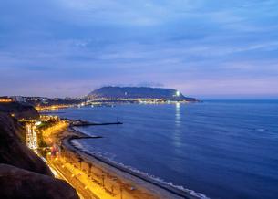 Coast of Miraflores District, Lima, Peru, South Americaの写真素材 [FYI03786603]