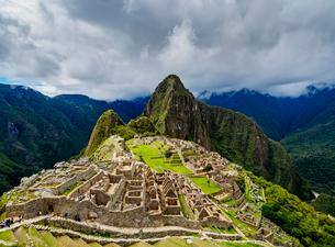 Machu Picchu Ruins, UNESCO World Heritage Site, Cusco Region, Peru, South Americaの写真素材 [FYI03786623]
