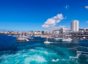 Port in Ponta Delgada, Sao Miguel Island, Azores, Portugal, Atlantic, Europeの写真素材 [FYI03786696]