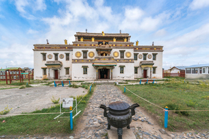 Main temple in Erdene Zuu Buddhist Monastery, Harhorin, South Hangay province, Mongolia, Central Asiの写真素材 [FYI03786788]
