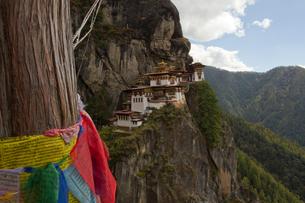 The Taktsang (Tigers Nest) Monastery, Paro, Bhutan, Himalayas, Asiaの写真素材 [FYI03786846]