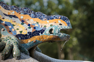 Mosaics, Parc Guell, UNESCO World Heritage Site, Barcelona, Catalonia, Spain, Europeの写真素材 [FYI03787078]