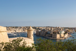 The Grand Harbour in Valletta, UNESCO World Heritage Site and European Capital of Culture 2018, Vallの写真素材 [FYI03787112]