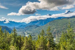 View of The Tsilxwm (Tantalus Mountain Range), British Columbia, Canada, North Americaの写真素材 [FYI03787220]