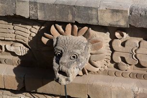 Temple of the Feathered Serpent (Quetzacoatl), Teotihuacan Archaeological Zone, UNESCO World Heritagの写真素材 [FYI03787383]