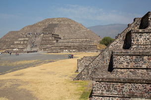 Pyramid of the Moon, Teotihuacan Archaeological Zone, UNESCO World Heritage Site, State of Mexico, Mの写真素材 [FYI03787384]