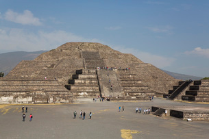 Pyramid of the Moon, Teotihuacan Archaeological Zone, UNESCO World Heritage Site, State of Mexico, Mの写真素材 [FYI03787386]