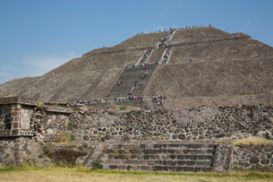 Pyramid of the Sun, Teotihuacan Archaeological Zone, UNESCO World Heritage Site, State of Mexico, Meの写真素材 [FYI03787388]