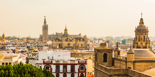 The view of the city and Seville Cathedral from the top of Metropol Parasol, Seville, Andalucia, Spaの写真素材 [FYI03787393]