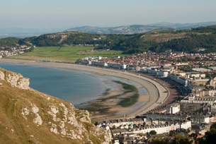 Llandudno, seen from the Great Orme, Conwy County, North Wales, United Kingdom, Europeの写真素材 [FYI03787516]