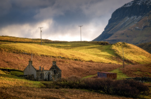 Old Cottage without roof, Isle of Skye, Inner Hebrides, Scotland, United Kingdom, Europeの写真素材 [FYI03787526]